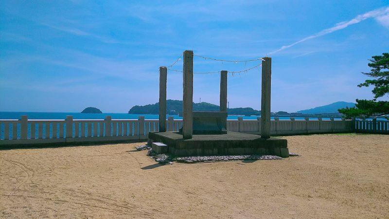海岸近くの御旅所