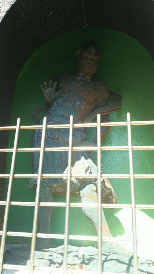 津照寺の金剛力士像