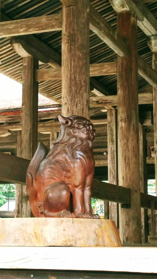 拝殿の狛犬