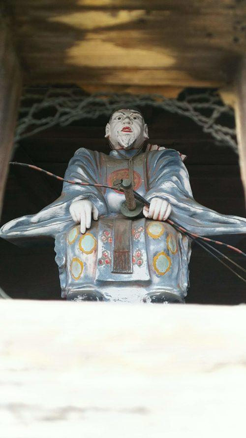 楼門の随神像